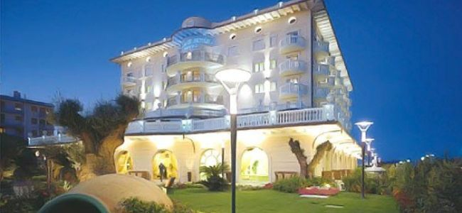 Hotel Palace - Milano Marittima (RA)