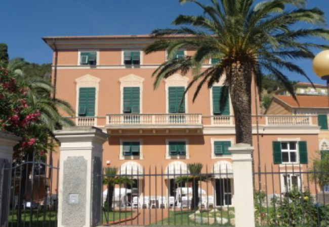Albergo Istituto Madri Pie - Noli (SV)
