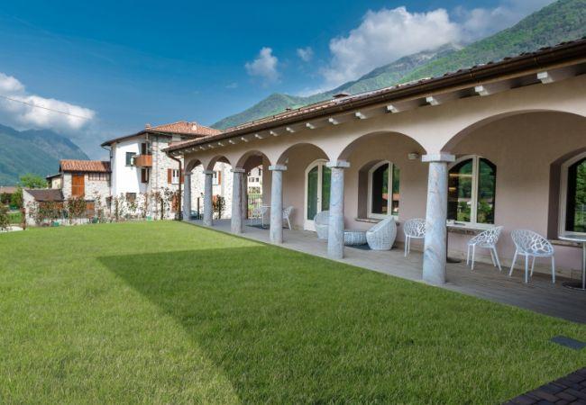 Bianco Hotel - Primaluna (LC)